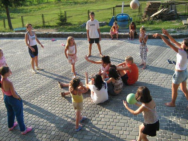 http://www.caritas.if.ua/images/phocagallery/tabor/thumbs/phoca_thumb_l_taboru8.jpg